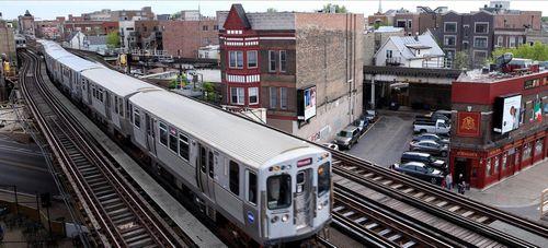 63-Летнего жителя чикаго судят за использование глушилки сотовой связи в поезде с 2014 года