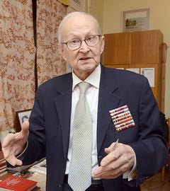 Академику борису патону исполнилось 95 лет