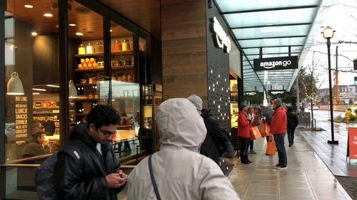Amazon go — продуктовый магазин без очередей, касс и продавцов (видео)
