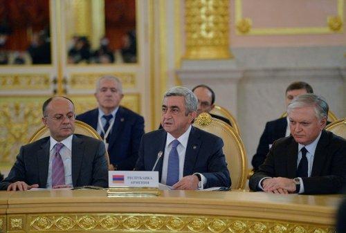 Армения: повестку диктуют конституционная реформа ирегиональные конфликты - «энергетика»