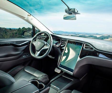 Автопилот tesla уже в августе будет полностью автономным