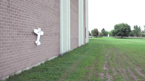 Беспилотник s-mad садится на вертикальные поверхности (видео)