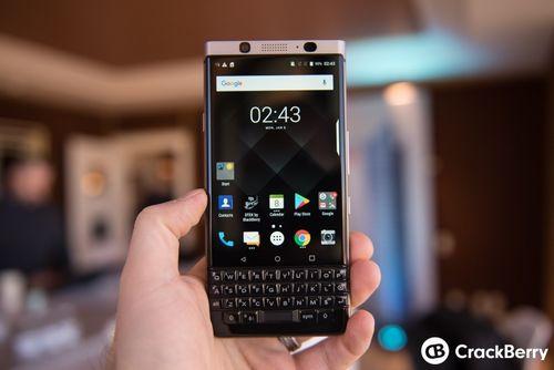 Blackberry сосредоточится на выпуске топовых смартфонов с qwerty-клавиатурой