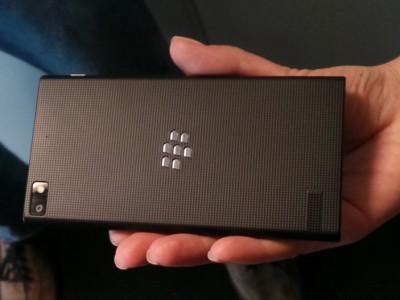 Blackberry z3 доступен для предзаказа в индонезии