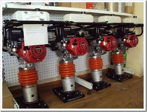 Что такое электрическая вибротрамбовка? советы по выбору наиболее эффективного агрегата.