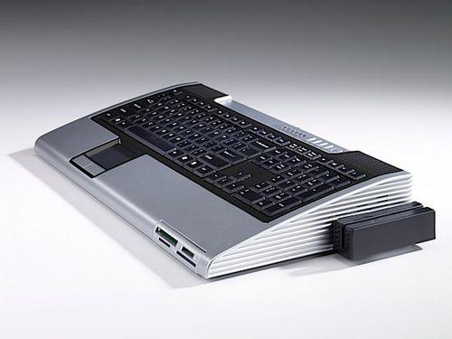 Commodore 64 возрождается с новым компьютером (5 фото)