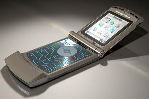 «Диксис» хочет продавать больше дешевых мобильников