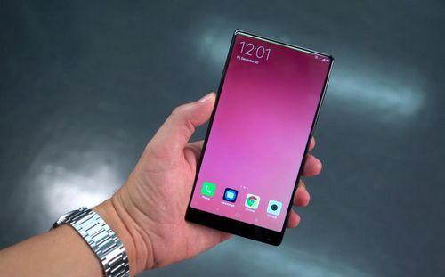 Essential phone - смартфон на один раз