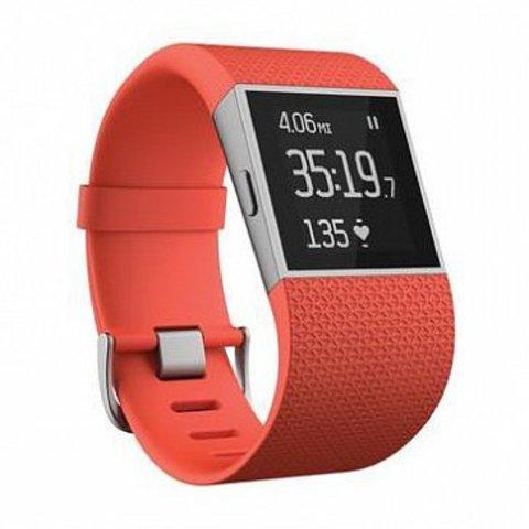 Fitbit surge - фитнес-трекер для профессиональных спортсменов