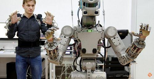 Фпи и минобрнауки объявили конкурс на разработку по для антропоморфного робота