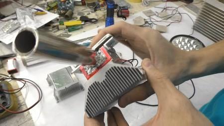 Генератор пельте на батарее отопления