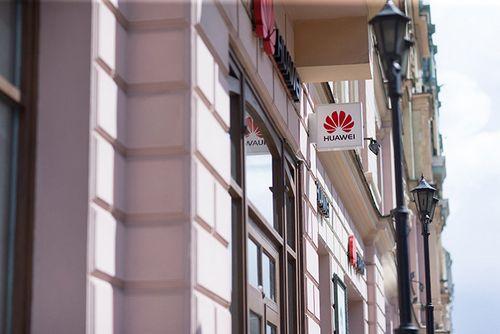 Huawei обещает починить любое устройство за 120 или менее минут в фирменном сервисе