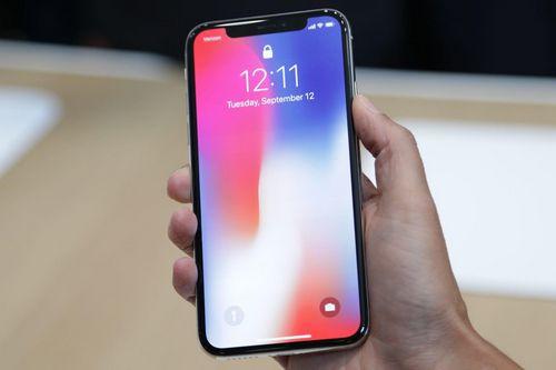Эффективная площадь экрана флагмана apple ниже, чем у конкурентов