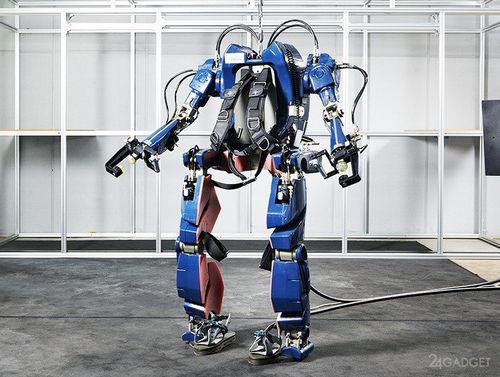 Экзоскелет, превращающий любого человека в робота (7 фото)