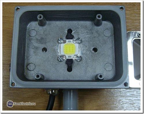 Как проверить светодиодный прожектор? узнайте о том, при помощи чего можно протестировать на работоспособность светодиод.