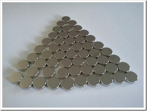 Как разъединить неодимовые магниты в домашних условиях? эффективность метода доказывается в видео.