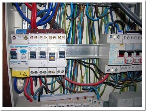 Как сделать электропроводку? рекомендации, которые дадут возможность самостоятельно проложить электрические коммуникации.