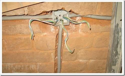 Как сделать проводку в бытовке? нюансы проведения электрических коммуникаций.