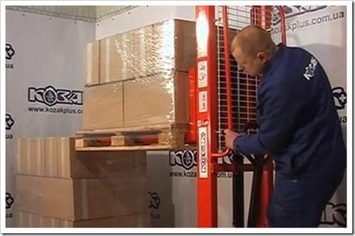 Какие бывают электрические штабелеры? классификация вспомогательного оборудования для грузчиков.