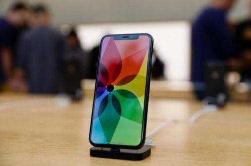 Компания samsung не может реализовать достаточно oled-экранов из-за apple