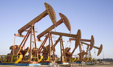 Крупные нефтекомпании сокращают расходы, сланцевики уверенно инвестируют - «энергетика»