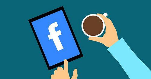 Летом facebook выпустит две огромные смарт-колонки с сенсорными экранами и функцией видеозвонков