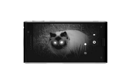 Lumigon t3 стал первым в мире смарфтоном с камерой ночного видения