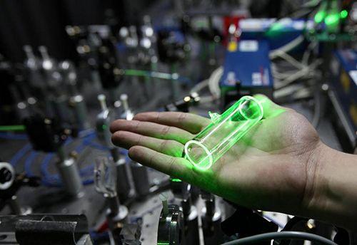 Многофотонный источник — прообраз квантовых интегральных схем