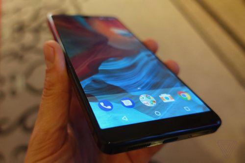 Мобильный телефон essential phone - интересная фирма, интересный телефон