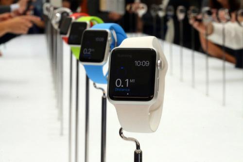 Модификация watch sport имеет самый качественный экран среди всех версий часов apple