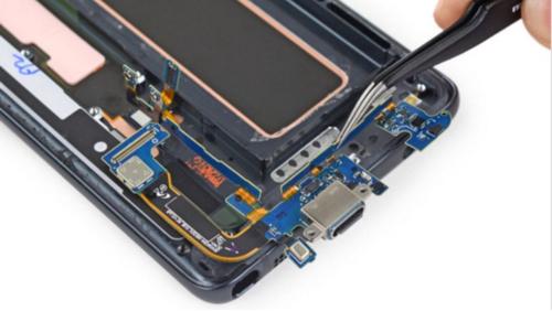 Названы самые пригодные для ремонта смартфоны 2016 года