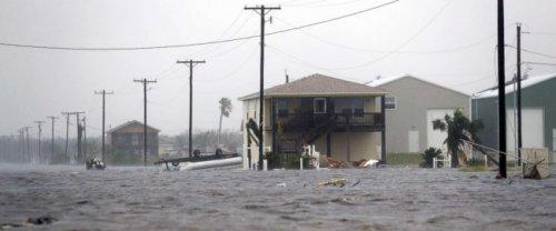 Нефтяные компании остановили работу нпз втехасе из-за урагана «харви» - «энергетика»
