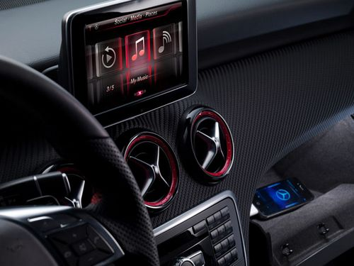 Немецкий автоконцерн mercedes benz будет использовать apple siri в автомобилях
