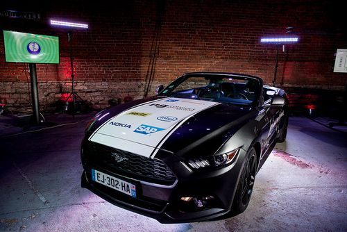 Nokia и «мегафон» показали прокатный автомобиль будущего на базе ford mustang 2016