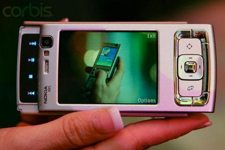 Nokia снижает цены на мобильники