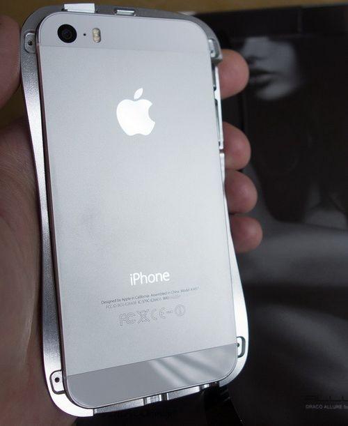 Новые бамперы для iphone dracodesign allure w и allure a