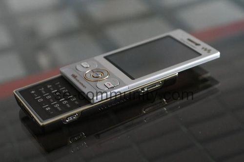 Новые мобильники от sony ericsson. фото