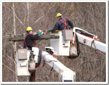 Особенности электромонтажных работ на высоте. необходимые критерии, которые должны быть соблюдены профессионалами.