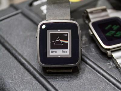Pebble time собрали на kickstarter рекордные 20 миллионов долларов