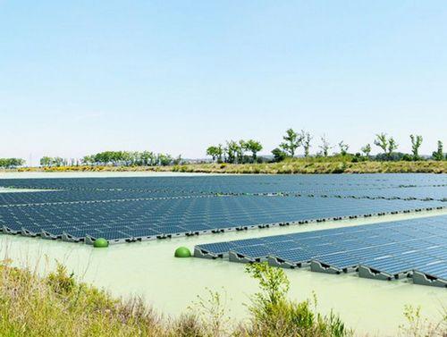 Первая плавучая солнечная электростанция в великобритании