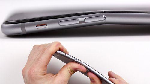 Пользователи жалуются на дефекты нового смартфона apple