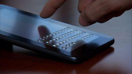 Продемонстрирована «исчезающая» клавиатура для тачскринов