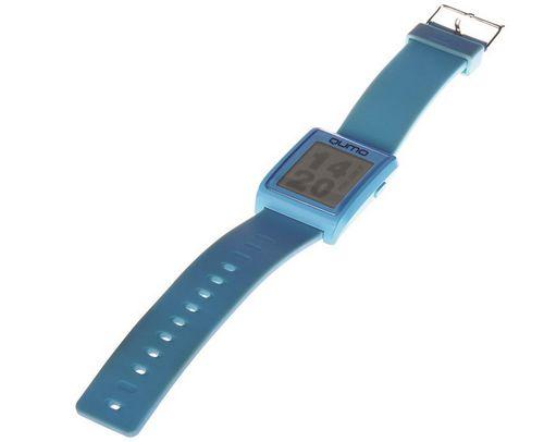 Qumo sw1: водозащищенные «умные часы» с экраном на электронных чернилах