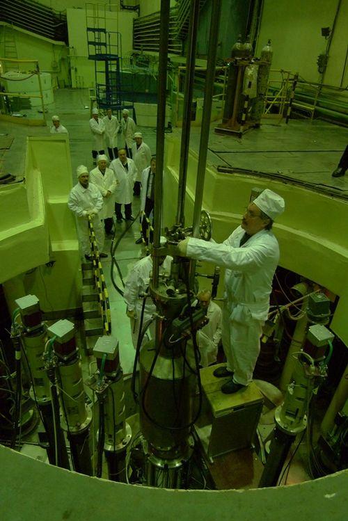 Реактор на быстрых нейтронах как окно в наномир