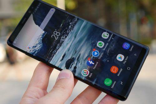 Россия: в продаже появился самый дорогой мобильник в мире. фото