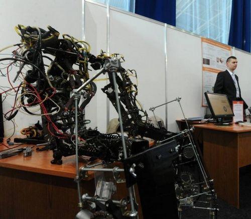 Российские ученые разработали экзоскелет, увеличивающий физические возможности человека (обнинск)