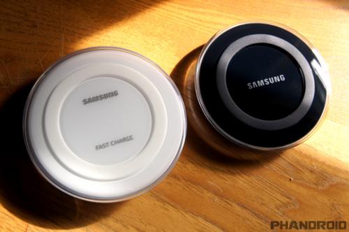 Samsung fast wireless charger заряжает смартфон на 30% за полчаса