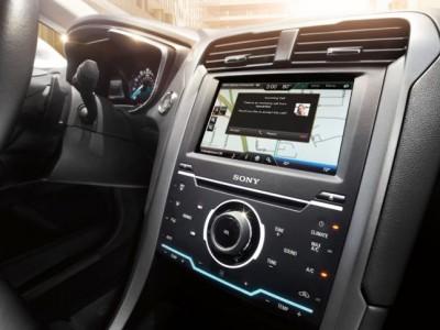 Siri переезжает на автомобили ford