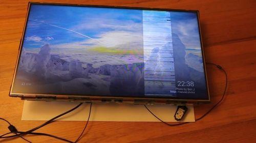 Сломанный телевизор можно починить светом