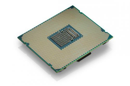 Старшие процессоры intel core i9 появятся в продаже в октябре
